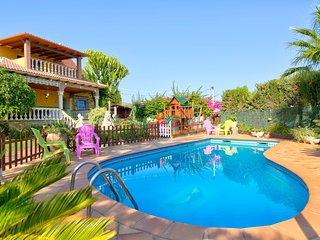 Villa Felicity, Villa con Piscina ideal para Ninos