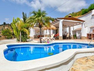Increible villa con piscina y jardin! Ref.260597