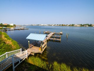 2BR / 2BA | Waterfront 2nd Floor Condo B23 | Beautiful Views | Boat Docks