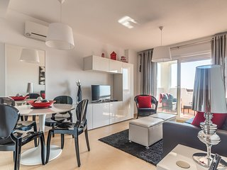 A Perfect Apartment For Singles Or A Couple On a Tranquil Resort With Pool Acces