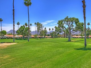 DUR42-1 - Rancho Las Palmas Country Club - 2 BDRM, 2 BA