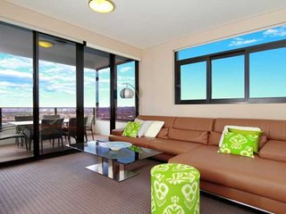Australia Towers Floor 20 (Unit 20.06) - 3 Bedrooms with sensational Sydney CBD