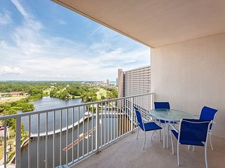1BR Laketown Wharf Condo w/Pools & Beach Access - Discounted Rates Available!