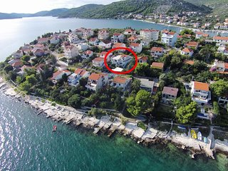Two bedroom apartment Seget Vranjica (Trogir) (A-10328-a)