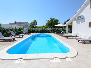 Charming 4 bedroom Villa with private Pool in Orebic