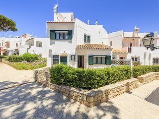 Vale do Lobo Villa Sleeps 7 with Air Con and WiFi - 5678571