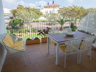 Marina Golf. 2 bedroom, 2 bathroom, ideally located for Golf & Beach