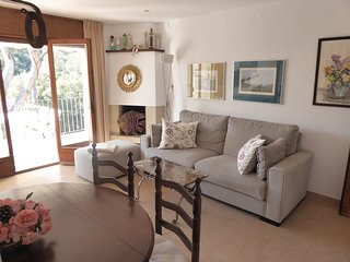 Tamariu Apartment Sleeps 4 - 5425176