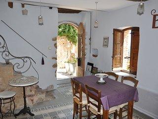 Ambiance brocante maison de village