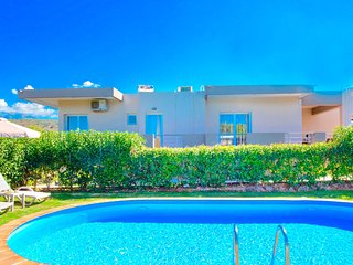Villa Klironomos with private swimming pool
