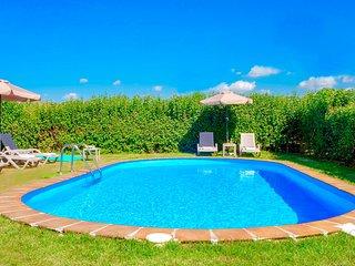 Villa Klironomos with private swimming pool