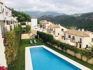 Townhouse 3 bedroom in Benahavis Village