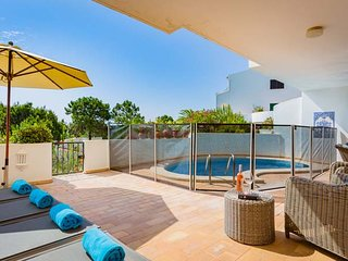 2 bedroom Apartment in Vale do Lobo, Faro, Portugal : ref 5639254