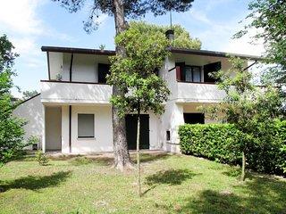 2 bedroom Apartment in Ca Grande Pineda, Veneto, Italy : ref 5638637