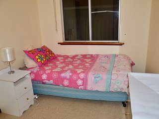Single bedroom close to beach