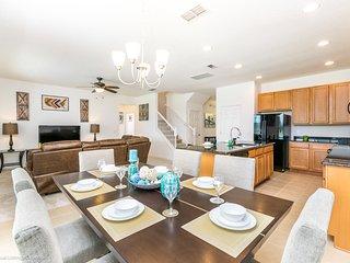 2172 Crofton Avenue Villa