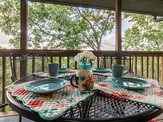 Branson Condo by Silver Dollar City & Table Rock!