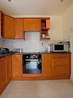 Spacious Kitchen with all you need, washing machine, dishwasher, oven -hob, microwave etc
