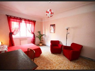 DoYoubnb - Passion red room in lively Pigneto neighbourhood