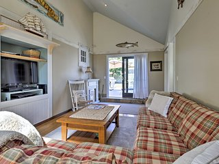 NEW! Bassriver Cottage 2 Mi. to Smuggler's Beach!