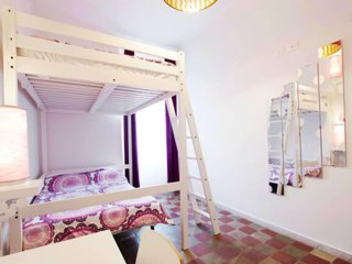 Room in front of Vatican and St.Peter, safest area with large bunk bed (no kitch