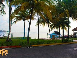 Amazing Lagoon Front Villa