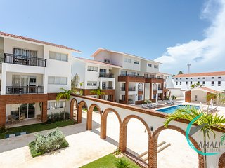 1 BR DELUXE C-2A, CORAL VILLAGE,POOL,Close to the Beach!