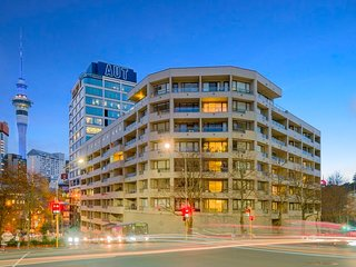 Stylish Apartments Near Entertainment District
