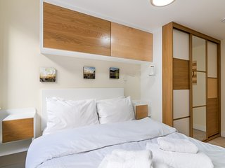 Fantastic central Brixton flat for up to 6 guests