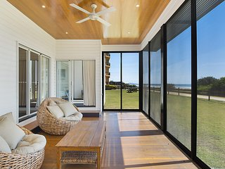 Beachfront Abode - Absolute Beachfront holiday home walk 200 m over the sand dun