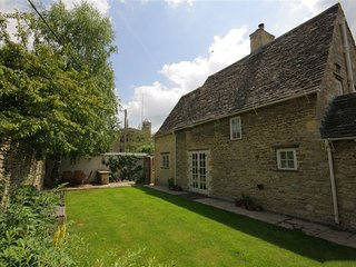 Church Cottage - CHURCH COTTAGE, family friendly in Burford, Ref 988725