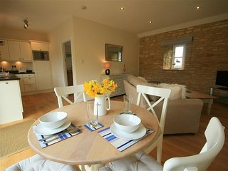Saddlebacks Barn - SADDLEBACKS BARN, character holiday cottage in Burford, Ref 9