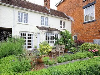 THE MEWS COTTAGE H157