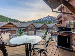 Big Sky condo w/ a private hot tub, fireplace, & gorgeous 360 degree views!