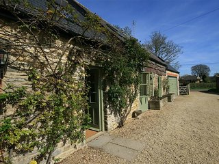 Somerford Cottage - SOMERFORD COTTAGE, family friendly in Malmesbury, Ref 988624