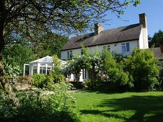 RIGSIDE HOUSE, perfect for a group of friends and large families, Little Compton