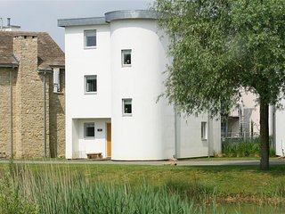The Sorrell - THE SORRELL, pet friendly in Cotswold Water Park, Ref 988701