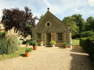 Garden Cottage - GARDEN COTTAGE, romantic, with a garden in Black Bourton, Ref 9