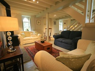 Cider Press Cottage - CIDER PRESS COTTAGE, romantic, with open fire in Bath, Ref