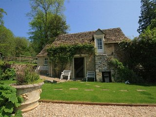 Mayfly Cottage - MAYFLY COTTAGE, with a garden in Coln St Aldwyns, Ref 988795
