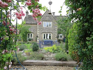 TALBOT COTTAGE, 3 bedrooms and perfect for friends and families, Stow-on-the-Wol