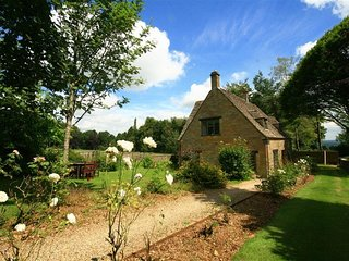Windy Ridge Cottage - WINDY RIDGE COTTAGE, pet friendly in Longborough, Ref 9887