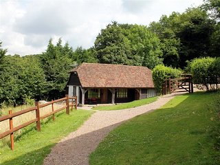 Woodside Cottage - WOODSIDE COTTAGE, pet friendly, with hot tub in Rochester, Re