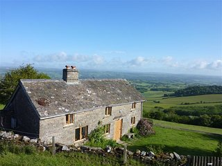 BULLENS BANK COTTAGE, 2 bedrooms, woodburner, Hay-on-Wye