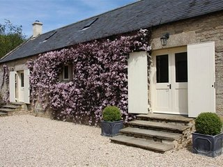 AYLWORTH MANOR, Pet-friendly, Family-friendly, WiFi, Naunton