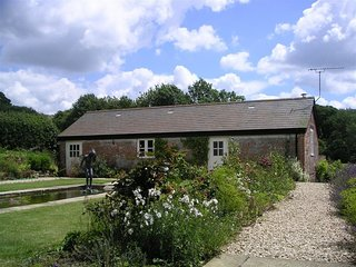 The Old Piggery - THE OLD PIGGERY, pet friendly in Shaftesbury, Ref 988888