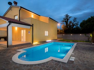 Topid Holiday Villa 26352