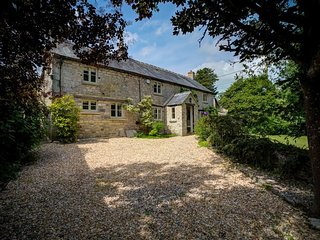 Yew Tree Cottage - YEW TREE COTTAGE, romantic, with open fire in Northleach, Ref