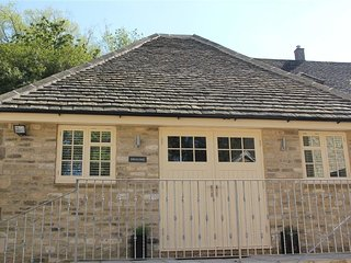 Swanlings - SWANLINGS, romantic, character holiday cottage in Burford, Ref 98883
