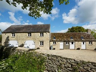 The Coach House, Swinbrook - THE COACH HOUSE, SWINBROOK, pet friendly in Burford